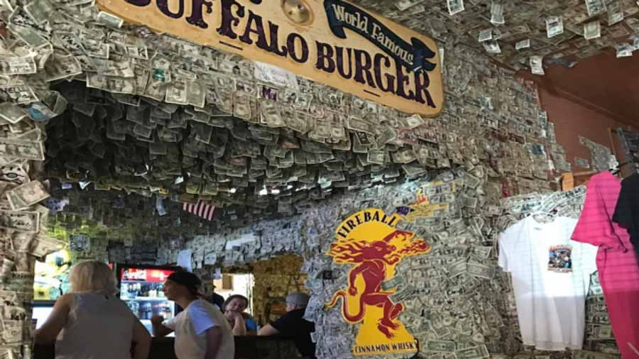 World-Famous-bar-on-Route-66-in-AZ