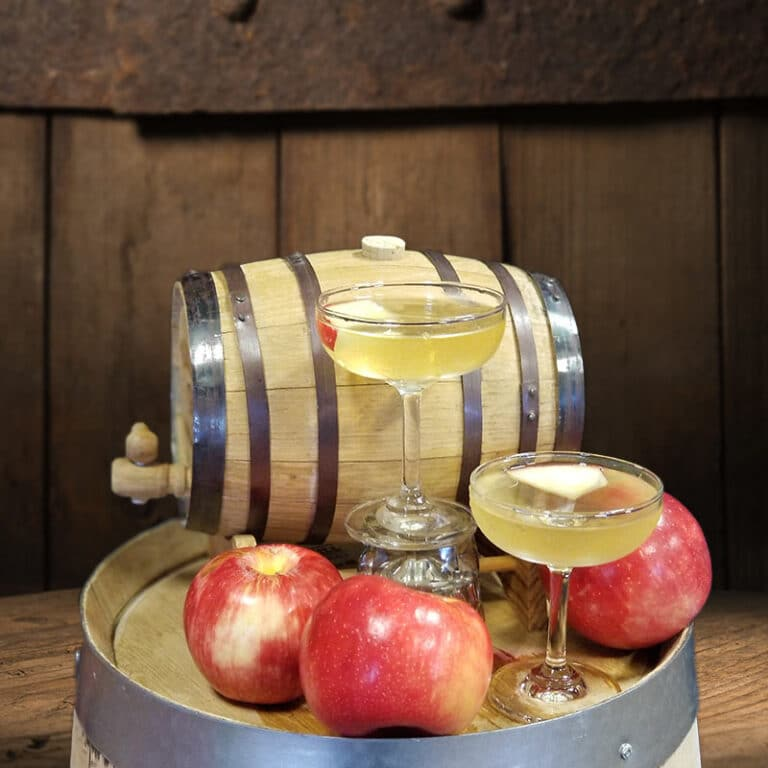 Apple-Tini-High-Mark-Drink-Recipes
