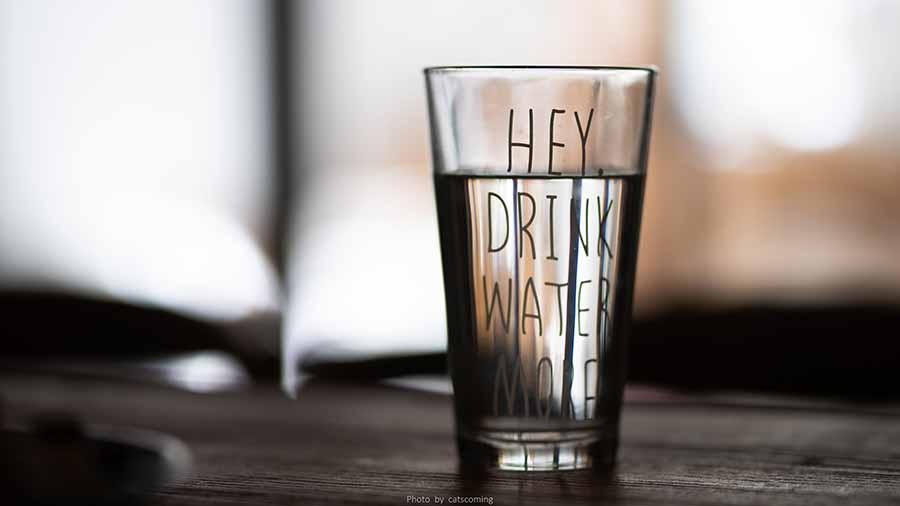 Drink-a-glass-of-water-between-each-drink-to-hydrate-and-help-pace-the-evening