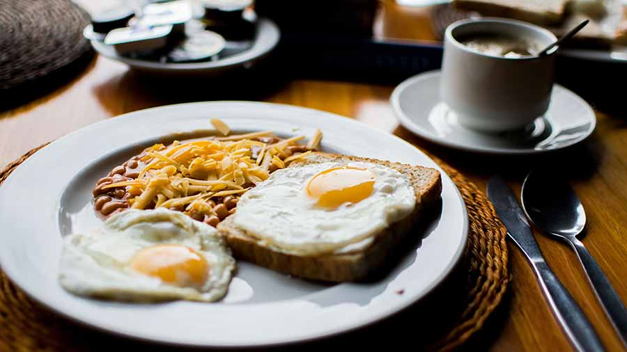 The-day-after-drinking-be-sure-to-eat-a-good-breakfast